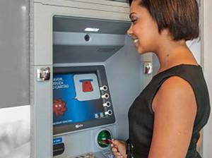 El 52% de los angoleños ya tienen una cuenta bancaria
