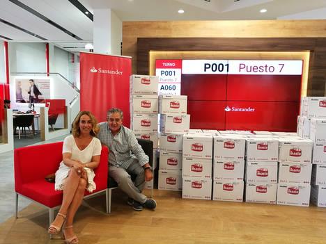 El Banco de Alimentos de Mallorca recibe 1.050 litros de aceite de los Voluntarios Solidarios de Banco Santander
