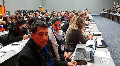 El Embajador Carlos Midence y la Ministra Consejera con Funciones consulares, Milagros Urbina.