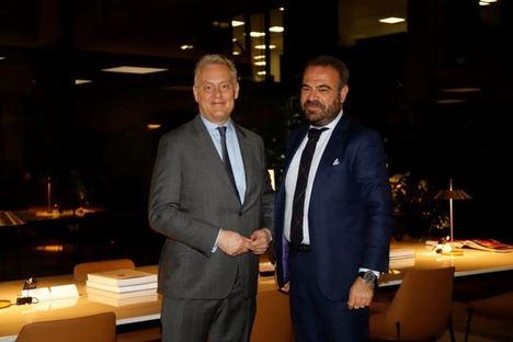 El Embajador del Reino Unido en España se reúne en Palma con el Vicepresidente Ejecutivo y Consejero Delegado de Meliá