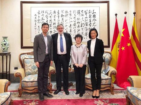 El Vicepresidente de la FEMTC Ramón M. Calduch se reúne con la cónsul de la República Popular China en Barcelona