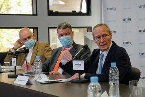 De dcha. a izqda.: Josep Piqué, Jordi Sevilla y Rafael Pampillón.
