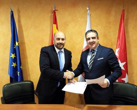 El grupo asesor ADADE/E-Consulting firma con la Cámara de Comercio de Mercosur y Unión Latinoamericana (CCM-ULA) un convenio marco de cooperación internacional
