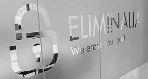 Eliminalia lanza un nuevo servicio funerario para borrar de internet el pasado del difunto