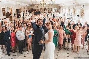 El portal Bodas.net indica que el coste medio de una boda ronda los 20.000 €