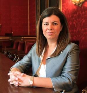 Elvira Carles.