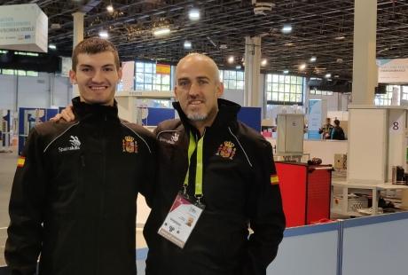 El aragonés Emanuel Budeanu se corona en Budapest como el mejor estudiante europeo en la modalidad de Refrigeración