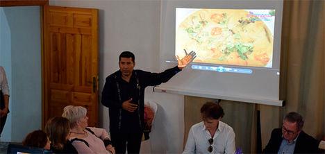 Embajador Carlos Midence en la presentación.
