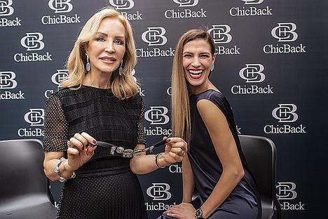 Embajadoras de la marca. Carmen Lomana y Laura Sánchez.