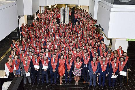 Empleados de CaixaBank graduados en el Máster en Negocio Bancario y Gestión y asesoramiento de clientes de la Universitat Pompeu Fabra.