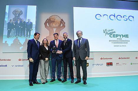 Endesa premia a la pyme MIXER & PACK por sus medidas de eficiencia energética