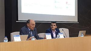 Enrique Bayonne Sopo, Director del Clúster y Javier Rodríguez Zunzarren, presidente del Colegio.