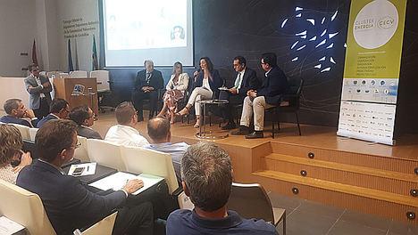 Las claves del futuro energético para mejorar la competitividad de sectores de alto consumo como el azulejero expuestas por el Clúster de Energía de la C.Valenciana y el COIICV