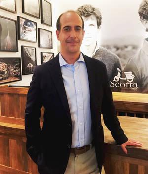 Enrique Pascual, Scotta 1985.