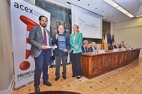 Entrega Mención Honorífica del XV Premio Nacional ACEX al INSST entrega DGT y Fomento.