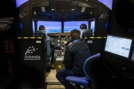 Nueva jornada de puertas abiertas online de la Escuela de Pilotos Adventia con protagonismo para el programa integrado de piloto de línea aérea