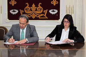 Eugenio Ribón, diputado de la Junta de Gobierno del Colegio de Abogados de Madrid, y Carme Sabrí, directora de AgroBank.