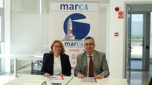 Eva Novoa, directora general de SOERMAR, y Juan Luis Sánchez, presidente del clúster MarCA (Archivo).