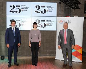 De izqda. a dcha.: Carlos Calvo, Presidente de Fedit, Diana Morant, Ministra de Ciencia e Innovación y Áureo Díaz-Carrasco, Director de Fedit.