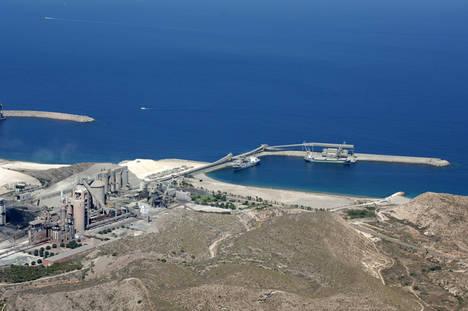Fabrica LafargeHolcim Carborneras Almería.