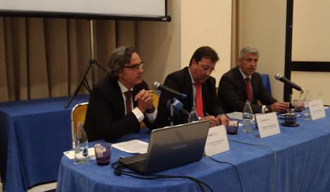 Anpier pide a Fernández Vara que contacte con otros presidentes para impulsar la generación social frente al bloqueo normativo estatal