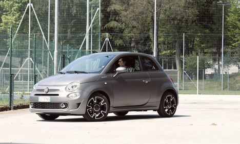 El Fiat 500 hybrid protagonista de un videoclip de ermal meta