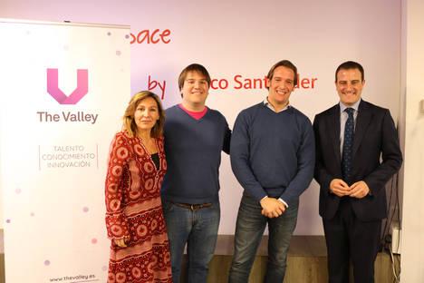 (Izda a drcha): Arantxa Sasiambarrena; Alfonso Sainz de Baranda; Guillermo Vicandi y Luis Colorado, Head of Digital Banking and Innovation Spain en Banco Santander.