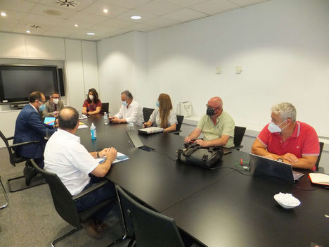 Adif y Adif AV acuerdan la regulación del trabajo a distancia para sus plantillas