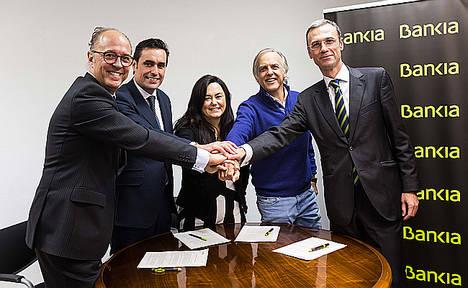 Bankia apoya a la Fundación Aladina para que 120 niños con cáncer participen en los campamentos de Paul Newman