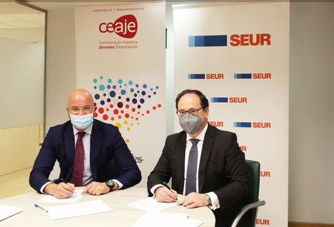 Fermín Albaladejo, presidente de CEAJE y David Sastre, director de clientes de SEUR.