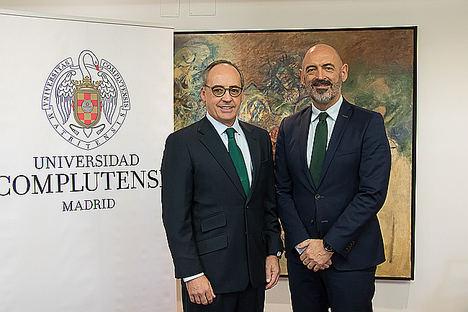 Pablo Juantegui (izqda),presidente ejecutivo y CEO de Grupo Telepizza y Joaquín Goyache Goñi, Rector Magnífico de la UCM.