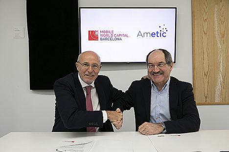 De izqda. a dcha.: Carlos Grau, CEO de Mobile World Capital Barcelona y Pedro Mier, presidente de AMETIC.