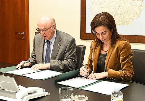 Adif y la Real Academia de Ingeniería firman un protocolo para el desarrollo del proyecto 'Mujer e Ingeniería'