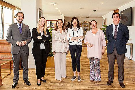 Trasmediterránea firma un acuerdo de colaboración con la Fundación Adelias para transportar material escolar, médico y medicinas a Nador