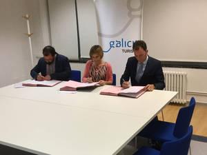Turismo de Galicia, Cambridge English Language Assessment y el Centro Británico firman un convenio para realizar los exámenes en el centro superior de hostelería de Galicia