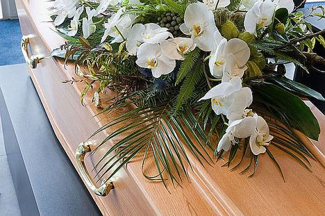 Cada vez se compran más ramos fúnebres online, según Floristería del Tanatorio
