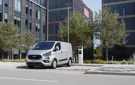 Pruebas de Ford en Londres con furgonetas eléctricas híbridas