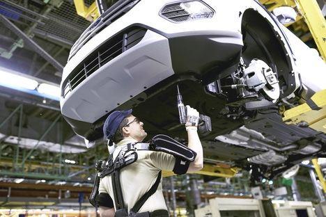 La planta Ford de Valencia ya usa exoesqueletos