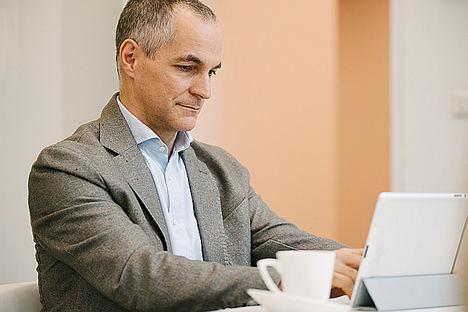 CaixaBank lanza el programa Webinars Aula para ofrecer seminarios de formación online para accionistas