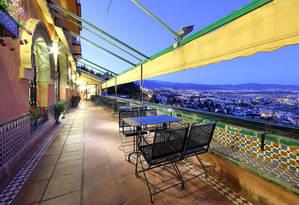 El Hotel Alhambra Palace, alojamiento de referencia para los amantes del cine negro