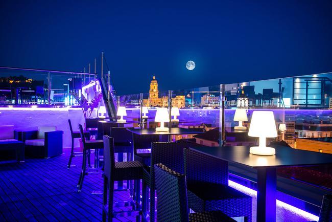 Sall s hotel m laga centro dominando la ciudad desde las - Hotel astorga malaga ...