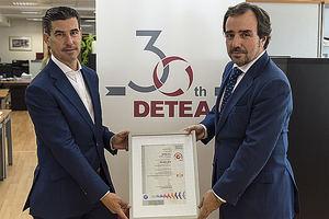 (dcha) Arturo Coloma, Presidente de la compañía DETEA, y Rafael Ollero Fernández, Director de Andalucía Occidental de SGS.