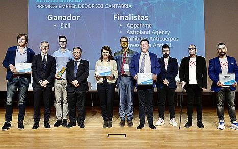 Autoridades, ganadores y finalistas Premios EmprendedorXXI en Cantabria.