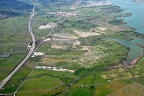 Foto de archivo de la planta fotovoltaica promovida por OPDEnergy en Almaraz (Cáceres).
