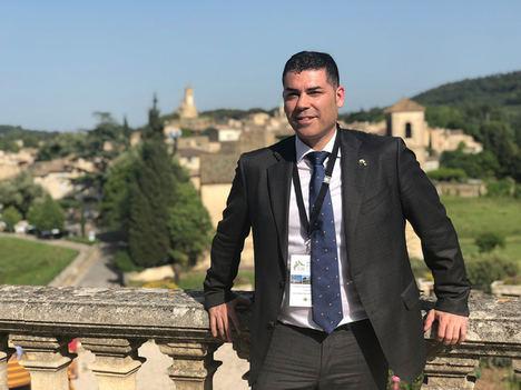 Joven, emprendedor y español, así es el nuevo presidente de Los Pueblos más Bonitos del Mundo