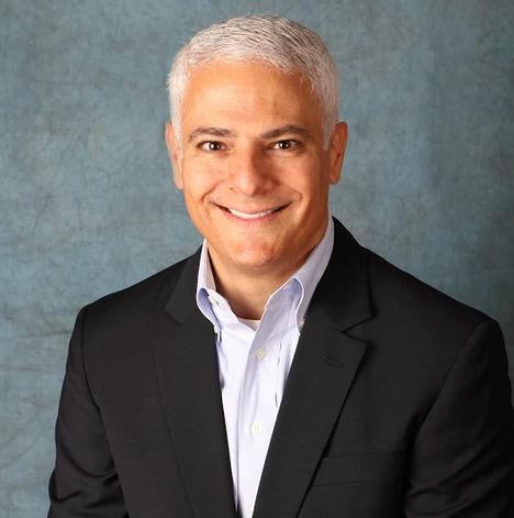 Frank J. Vella, CEO de Information Builders.