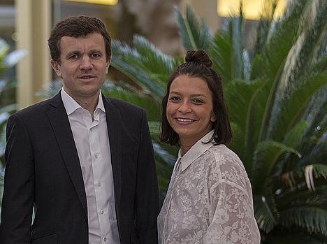 Frédéric Durand, CEO de Diabolocom, y Leïla Bouguetaia, directora comercial de Diabolocom en España.