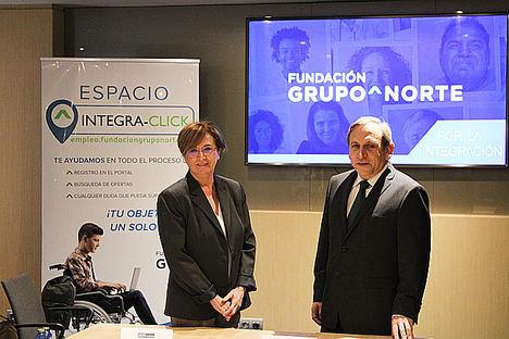Almudena Fontecha, presidenta de la Fundación Grupo Norte, y Carlos Buerba, director del Área de Instituciones Religiosas de la entidad.