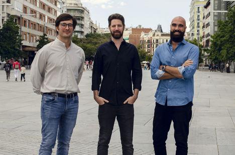 De izq. a dcha. Martin Villanueva, Amir Kaplan y Gabriele Murrone, Fundadores ifeel.