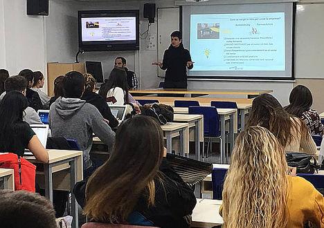 Gama Clásica explica su experiencia empresarial en la Escuela Universitaria Mediterrani